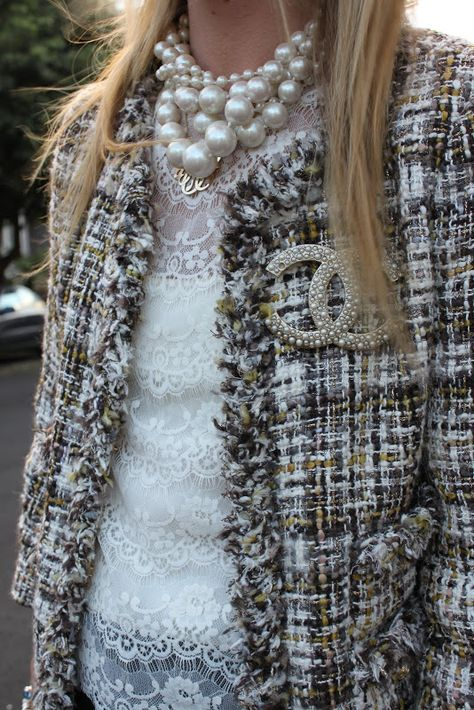 Tweed, Chanel brooch and pearls = stylish and chic