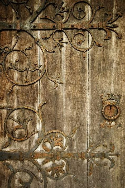 Montana Rose - Painter - Traditional Style #Decor #Details