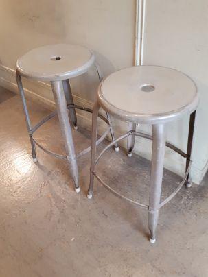 Paire De Tabourets Anciens Nicolle En Acier 60cm Dispo A La Boutique Et Sur Www Decoauthentique Fr Mobilier Mobilier De Salon Decoration Vintage