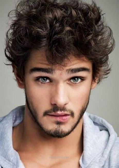 Neat curly hairstle for men   The post  curly hairstle for men…  appeared first on  New Hairstyles . #curlyhair #curly #hairstyle
