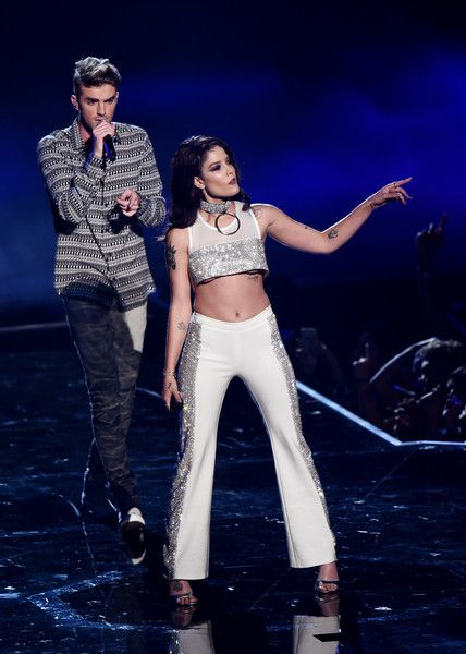 Andrew Taggart of The Chainsmokers and Halsey perform onstage during the 2016…