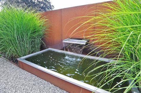 Corten water feature www.hendrikshoveniers.nl landelijke tuin
