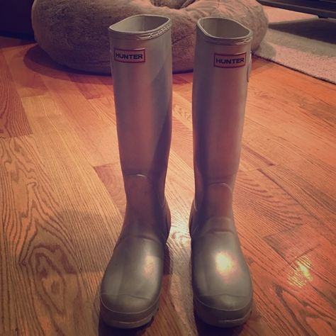 Hunter Tall Rain Boots, Metallic Silver Hunter tall women's rain boots in metallic silver. The size is a US 7. Has some wear marks from being worn in the rain and snow for two seasons. Great boots! Hunter Boots Shoes Winter & Rain Boots
