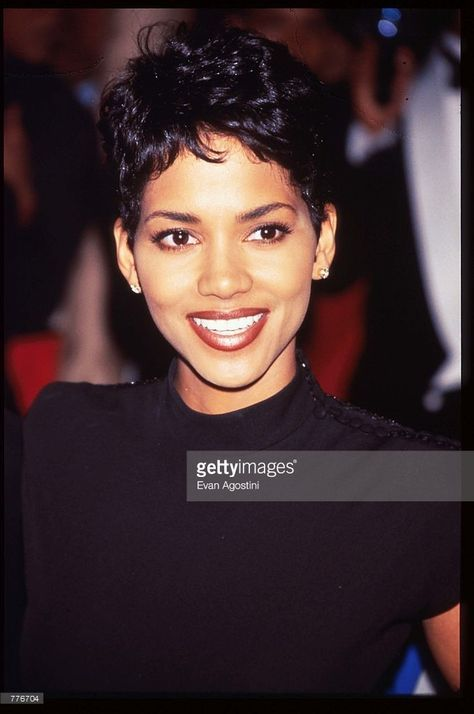 Halle Berry stands at the Essence Awards April 1996 in. Actress Halle Berry stands at the Essence Awards April 26 1996 in New. News Photo