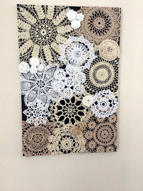 Maybe do this using not only doilies, but other vintage linens. - Handarbeit Maybe do this using not only doilies, but other vintage linens. Doilies Crafts, Paper Doilies, Crochet Doilies, Paper Doily Crafts, Diy Paper, Paper Craft, Fabric Crafts, Diy Home Crafts, Fun Crafts