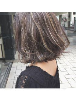 外国人風とろみハイライトカラーギブソンタックワンカールボブ 髪色
