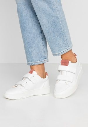 STAN SMITH LACE-FREE SHOES - Baskets