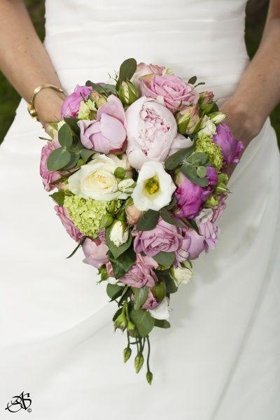 bbfab0b55973 BILD och PRIS på er brudbukett! | bröllopigt