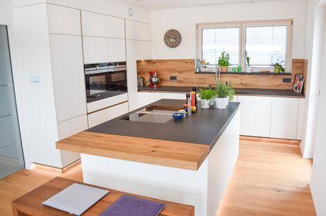 Küche weiß hochglanz eichenboden elemente aus altholz deckenlüfter küche pinterest boden kitchens and house