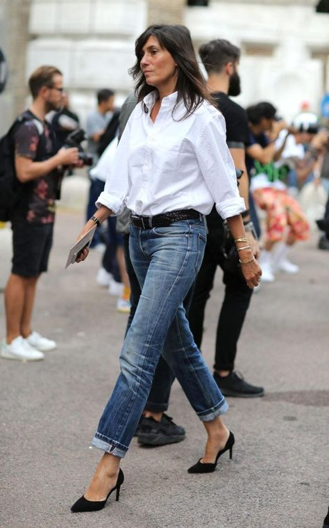 You Only Need 10 Neutral Staples to Create an Endless Wardrobe - French Shirt - Ideas of French Shirt - Neutral Basic Blouse // How to style a white button down classic white shirt chic looks cute outfit ideas for work