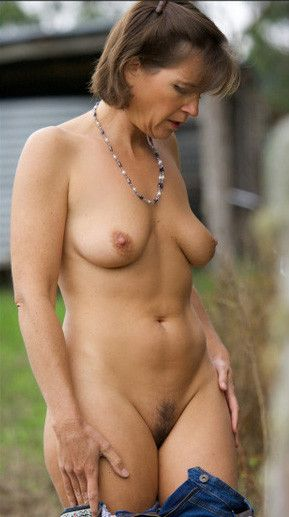 Sexy mature nude pictures