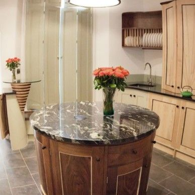 Round Kitchen Island In Antique White Finish Inviting Home I N T є R O S Pinterest And Rounding