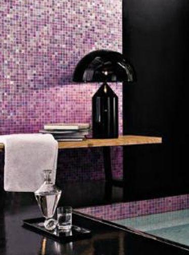 Superbe Mosaique Rose Et Violet En Petit Carreaux Pour Une Salle