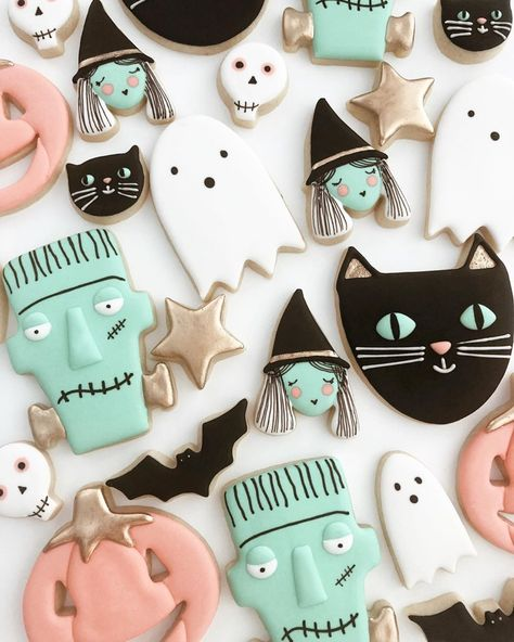 Postres Halloween, Halloween Sweets, Pink Halloween, Halloween Baking, Halloween Inspo, First Halloween, Halloween Cookies, Halloween Birthday, Halloween Party Decor