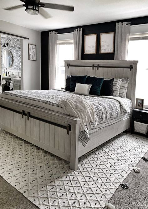 Home Interior Farmhouse Master Bedroom Makeover - Farmhouse Style Master Boho Bedroom Decor Boho Farmhouse Modern Farmhouse Diys Room Decor, Boho Bedroom Decor, Home Bedroom, Decor Ideas, Boho Decor, Bedroom Wall, Rustic Bedroom Decorations, Decor Crafts, Apartment Master Bedroom