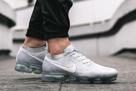 Nike Vapormax Laceless On Feet