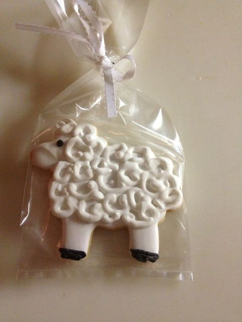 Sheep Cookie Favors by Favorable Cookies
