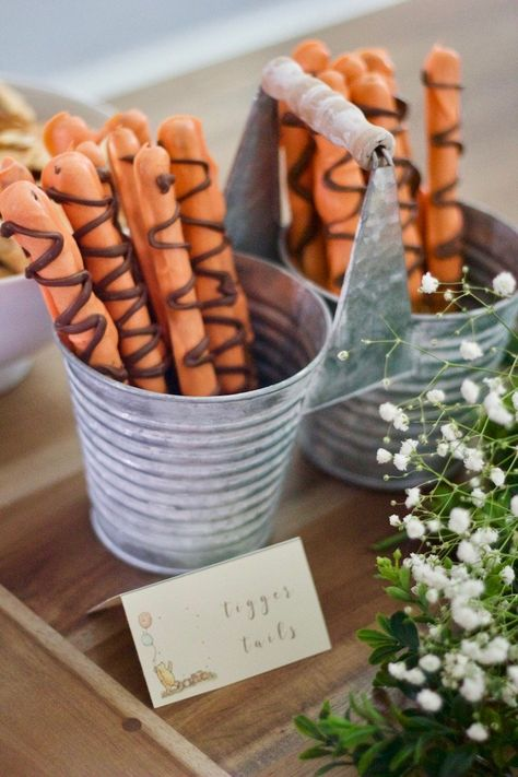 Recreate This Classic Winnie the Pooh Baby Shower Right Now .-Recreate This Classic Winnie the Pooh Baby Shower Right Now Baby Shower Menu, Baby Shower Vintage, Baby Shower Fall, Baby Shower Favors, Baby Shower Games, Baby Shower Parties, Baby Boy Shower, Baby Showers, Shower Gifts