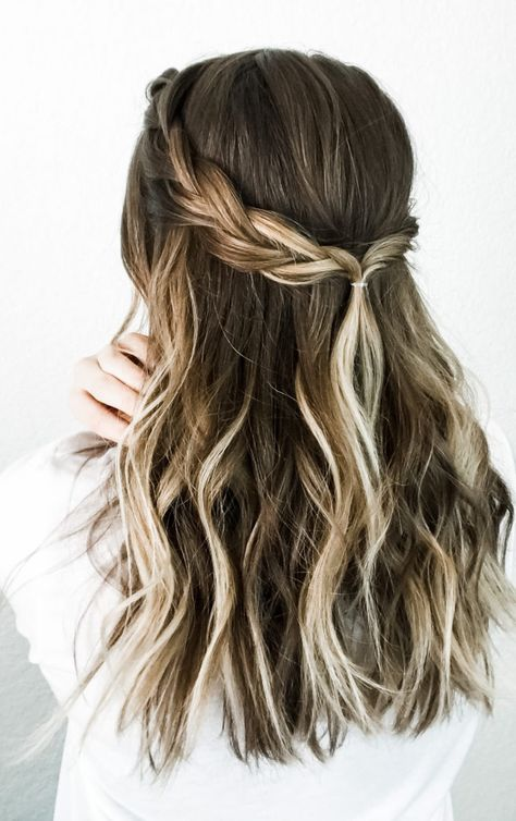 Five-Minute Lazy Girl Hairstyles + Easy Tutorials - DIY Darlin'