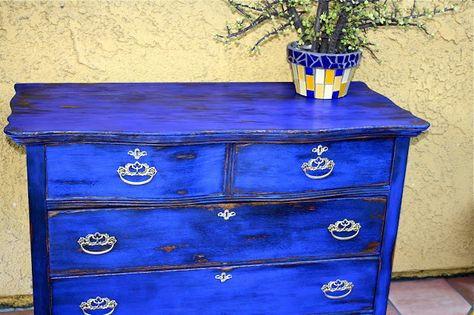 MakeMePrettyAgain: My first Milk Paint! GO BOLD, or go home for our cabs?