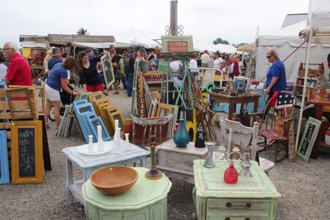 13 Must Visit Flea Markets In Indiana Where You Ll Find Awesome Stuff 2019 Places Market Michigan Fleas