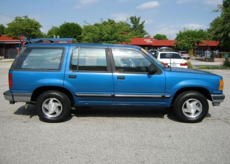1992 Ford Explorer Xlt Bought Used In 1999 Mine Was Burgundy First Vehicle I Bought After Moving Back To Edenton Ford Explorer Xlt Ford Explorer Ford