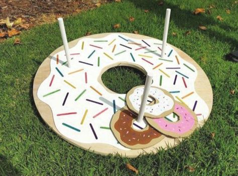 Throw a fun Donut Party for friends and wow them with your DIY Donut Decorations! All projects include step by step tutorials. Throw a fun Donut Party for friends and wow them with your DIY Donut Decorations! All projects include step by step tutorials.