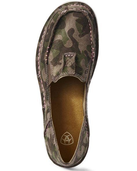 Slip-on design. Camo Shoes, Camo Purse, Toe Designs, Camo Designs, Shoe Boots, Shoes Sandals, Dress Shoes, Shoes Sneakers, Stitch Fix Outfits