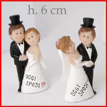 Piccole Statuine Sposi In Resina Idee Segnaposto Nozze Economici Bomboniere Promesse Pensierini Matrimonio Segnaposto Matrimonio Matrimonio Spose