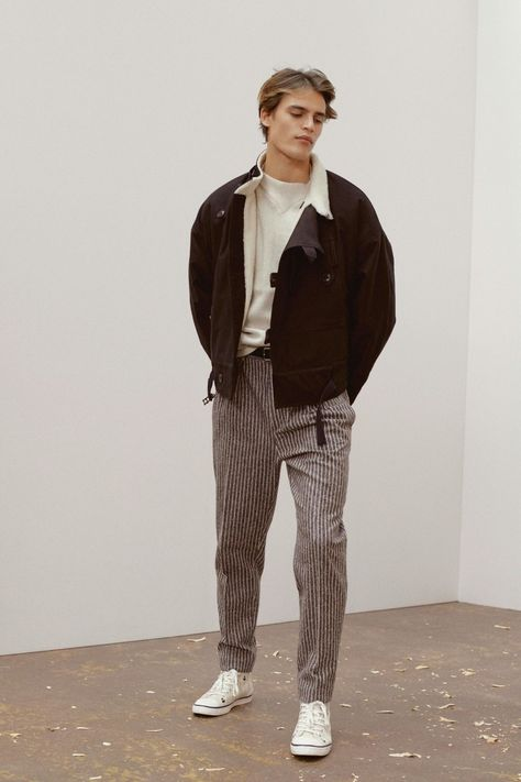 Isabel Marant Fall 2019 Menswear Fashion Show -You can find Menswear and more on our website.Isabel Marant Fall 2019 Menswear Fashion Show - Outfits Hipster, Mode Outfits, Guy Outfits, Stylish Outfits, Men Hipster, Hipster Looks, Skater Outfits, Batman Outfits, Grunge Outfits