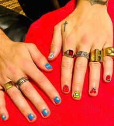 Harry Styles Nails In 2020 Harry Styles Tattoos Harry Styles Hands Harry Styles Wallpaper