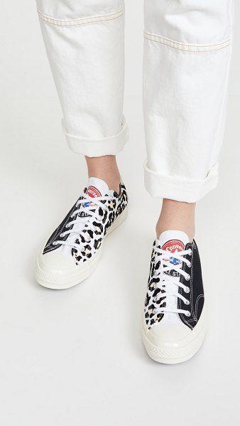Converse Chuck 70 Logo Play Ox Sneakers