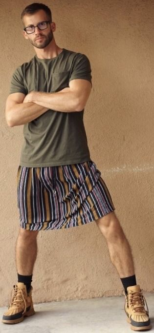 Pin by Sam Mueller on Inspirational men's skirts in 2020 | Men wearing  skirts, Man skirt, Boys wearing skirts