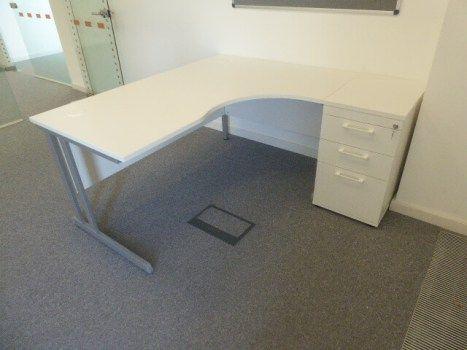 used office desks second hand desks kings office rh pinterest ru used office furniture king of prussia pa office furniture king street east toronto