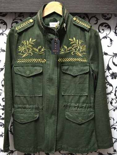 This Is Pretty But For Some Reason My First Thought Was Boho Communist Chaquetas Gabardina Verde Ropa Militar