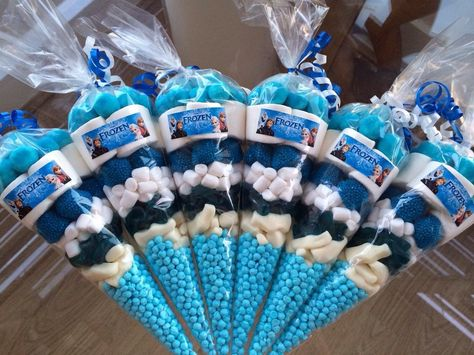 DISNEY FROZEN PRE-FILLED SWEET BIRTHDAY PARTY CONES LOOT BAGS PERSONALISED