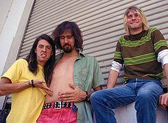 Kurt wearing his smells like teen soirit shirt. So adorable💘