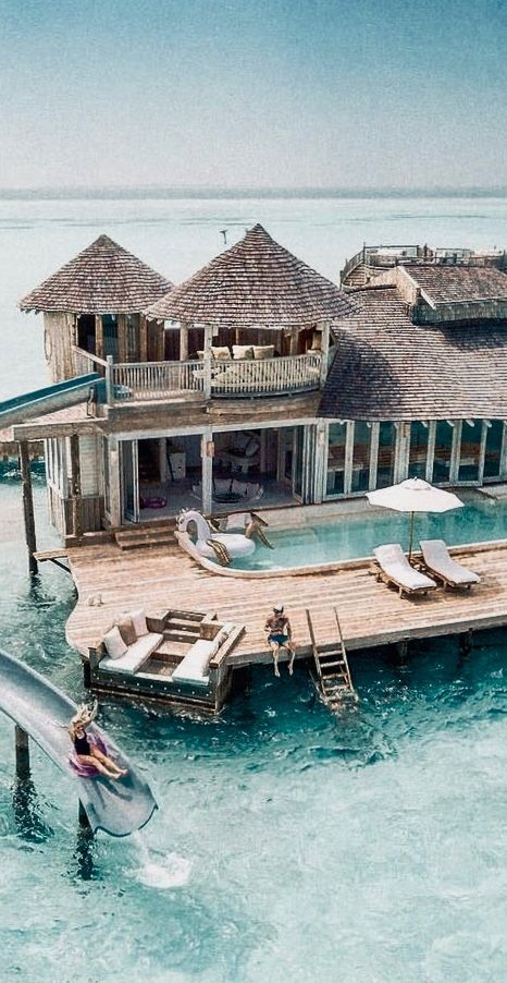 Oh my GOD how beautiful is this place? It looks like the maldives or bora bora.