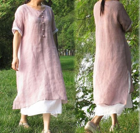 Layered dress in lovely lilac thin lilen. Round neckline with five Chinese style hand-knotted buttons. Kinomo sleeves that could be rolled up~ Would wear this as a robe for sure.