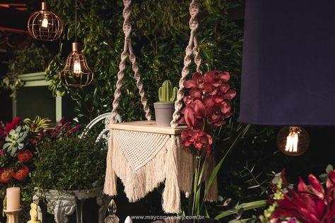 Mesa suspensa em macrame, decoração de um lindo sonho de amor