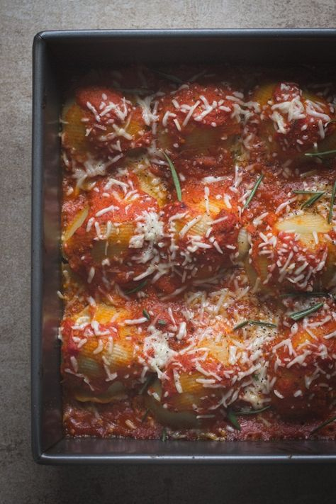 Spaghetti Squash Stuffed Shells by edibleperspective #Spaghetti_Squash #Shells