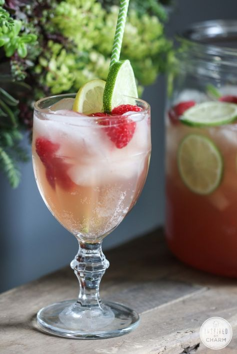 Delicious and Easy Raspberry Beer Cocktail Recipe #raspberry #beer #cocktail #punch #recipe #summer #easy #crowd