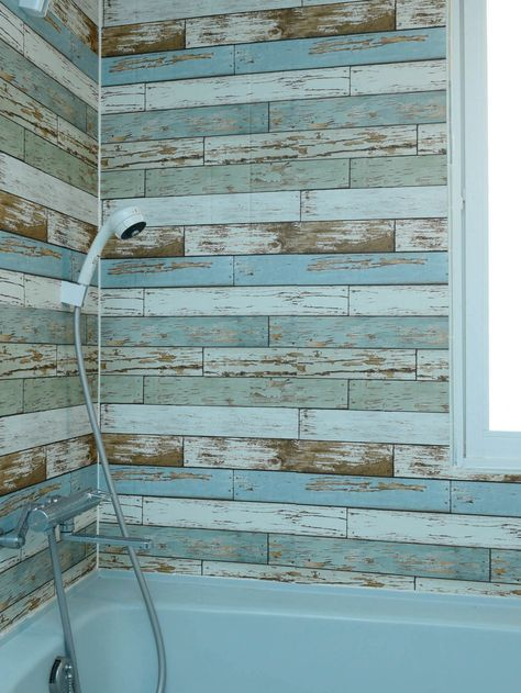 知ってた お風呂にも壁紙シールって貼れるんです お風呂 リフォーム Diy 浴室 壁紙 古い お風呂