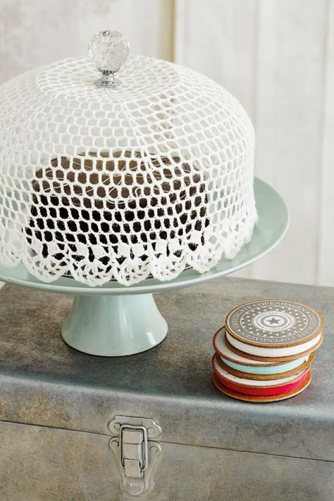 A how-to for making a crocheted cake dome.
