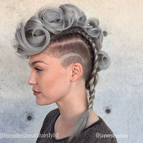 22 TOP hairstyles that you will love! 22 TOP hairstyles that you will love!,Daniël bord Weekly hair collection: 22 TOP hairstyles that you will love! Mohawk Updo, Braided Mohawk Hairstyles, Top Hairstyles, Pretty Hairstyles, Long Mohawk, Drawing Hairstyles, Natural Hair Styles, Short Hair Styles, Shaved Hair
