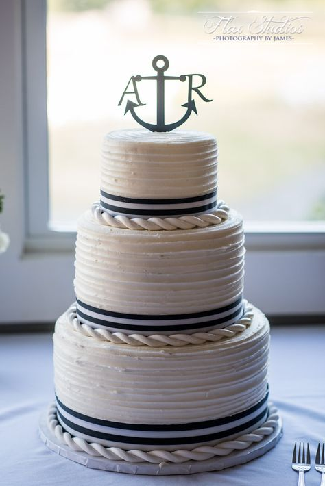 wedding cakes ombre This perfectly themed nautical wedding cake was designed by Sweet Sensations and 3 Dogs Cafe in Rockport Maine. It incorporates blue and white stripes, an anchor, and rope made out of frosting! Nautical Wedding Centerpieces, Nautical Wedding Cakes, Nautical Wedding Invitations, Nautical Cake, Themed Wedding Cakes, Nautical Party, Fall Wedding Cakes, Wedding Cake Toppers, Beach Wedding Cakes