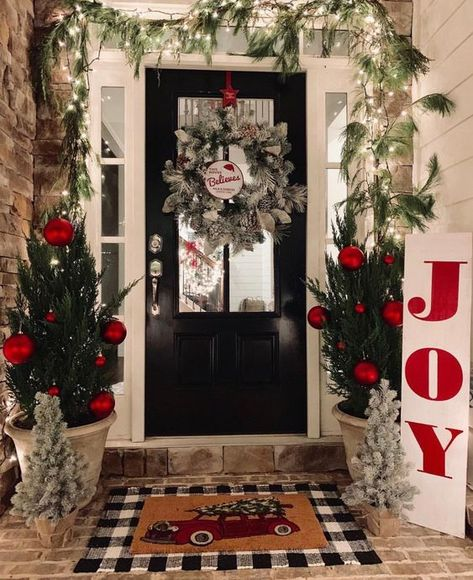 Inspiring Diy Christmas Door Decorations Ideas For Home And School 27 Diy Christmas Door Decorations, Christmas Lights, Christmas Diy, Holiday Decor, Christmas Movies, Christmas Porch Ideas, Christmas Videos, Country Christmas, Christmas Wreaths