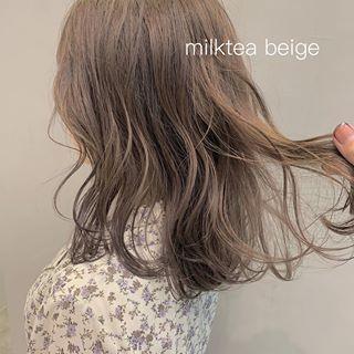 画像に含まれている可能性があるもの 1人以上 Hair Styles Long Hair Styles Beauty