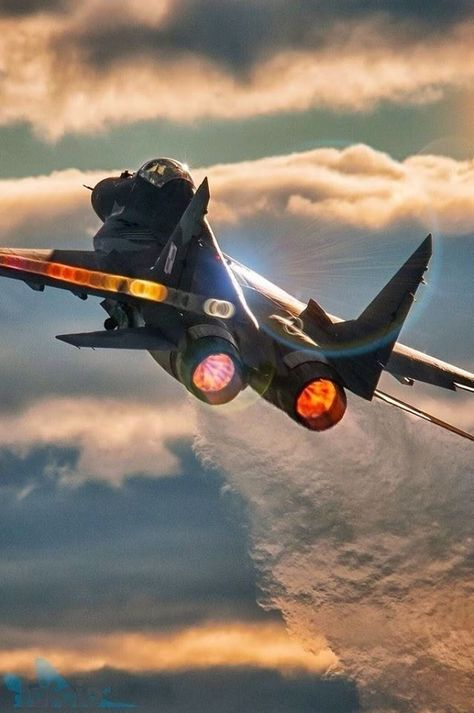 Military Aircraft — Dassault Aviation Mirage III – aircraft desig – can Airplane Fighter, Airplane Art, Fighter Aircraft, Jet Fighter Pilot, Air Fighter, Fighter Jets, Military Jets, Military Aircraft, Dassault Aviation