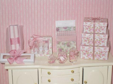 1:12 Dollhouse Miniature Set di mobili da bagno profumo VASSOIO ROSA E ORO
